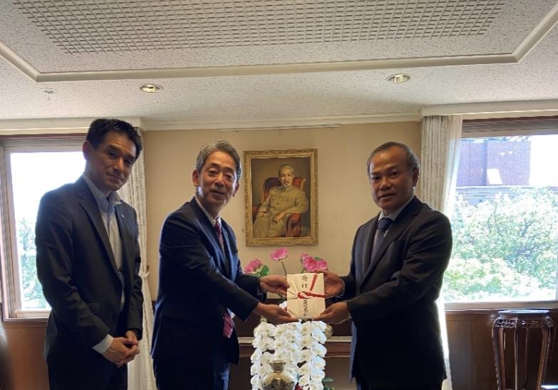 Đại sứ Vũ Hồng Nam tiếp Giám đốc cấp cao Tập đoàn thép Kyoei