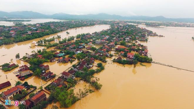 台風洪水被害克服のために、ベトナム中部地方国民支援募金案内