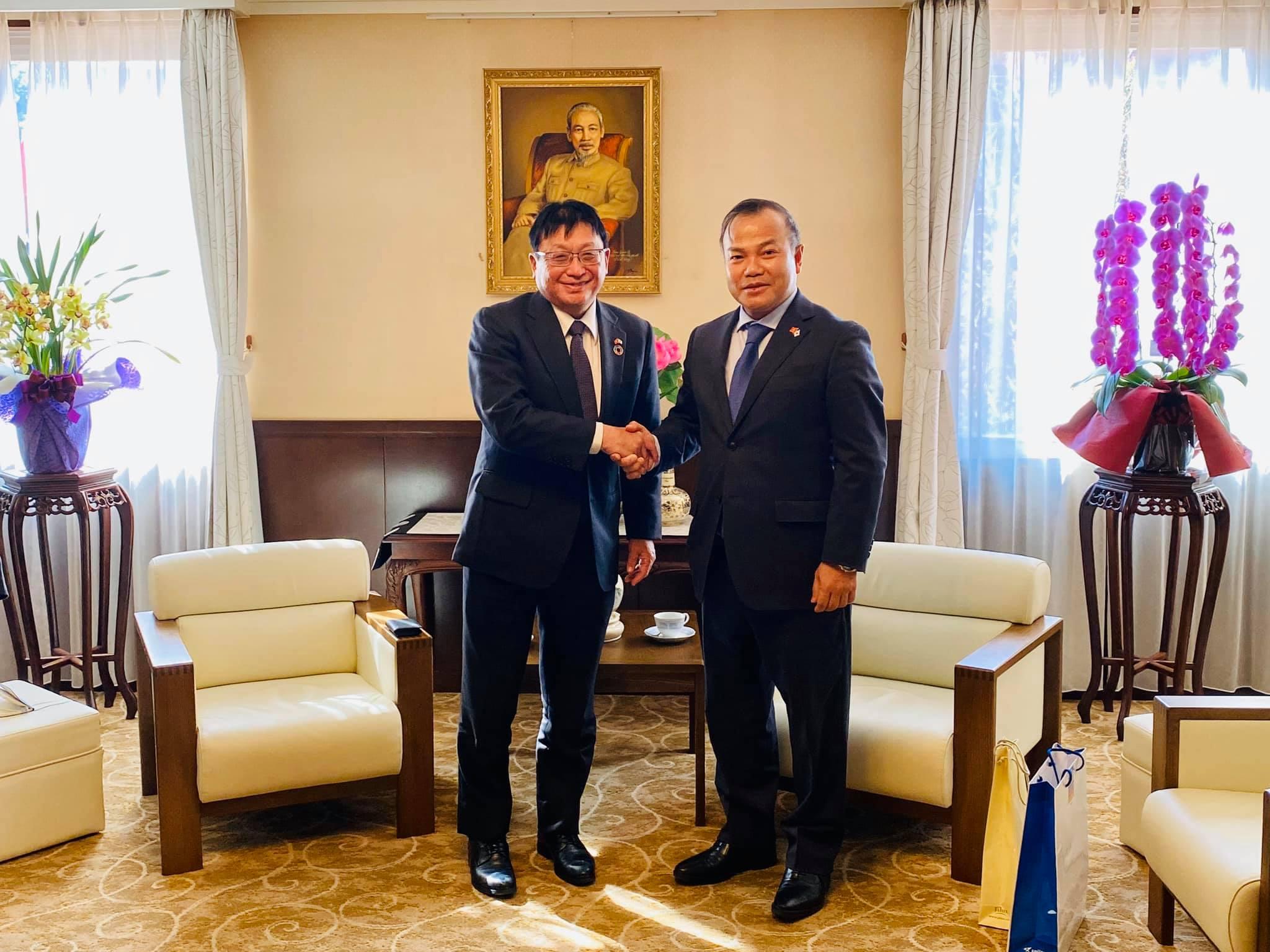 H.E. Ambassador Vu Hong Nam met with CEO of Sojitz Mr. Masayoshi Fujimoto