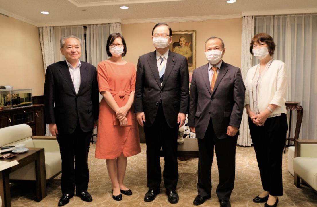 Đại sứ Vũ Hồng Nam tiếp Chủ tịch Đảng Cộng sản Nhật Bản