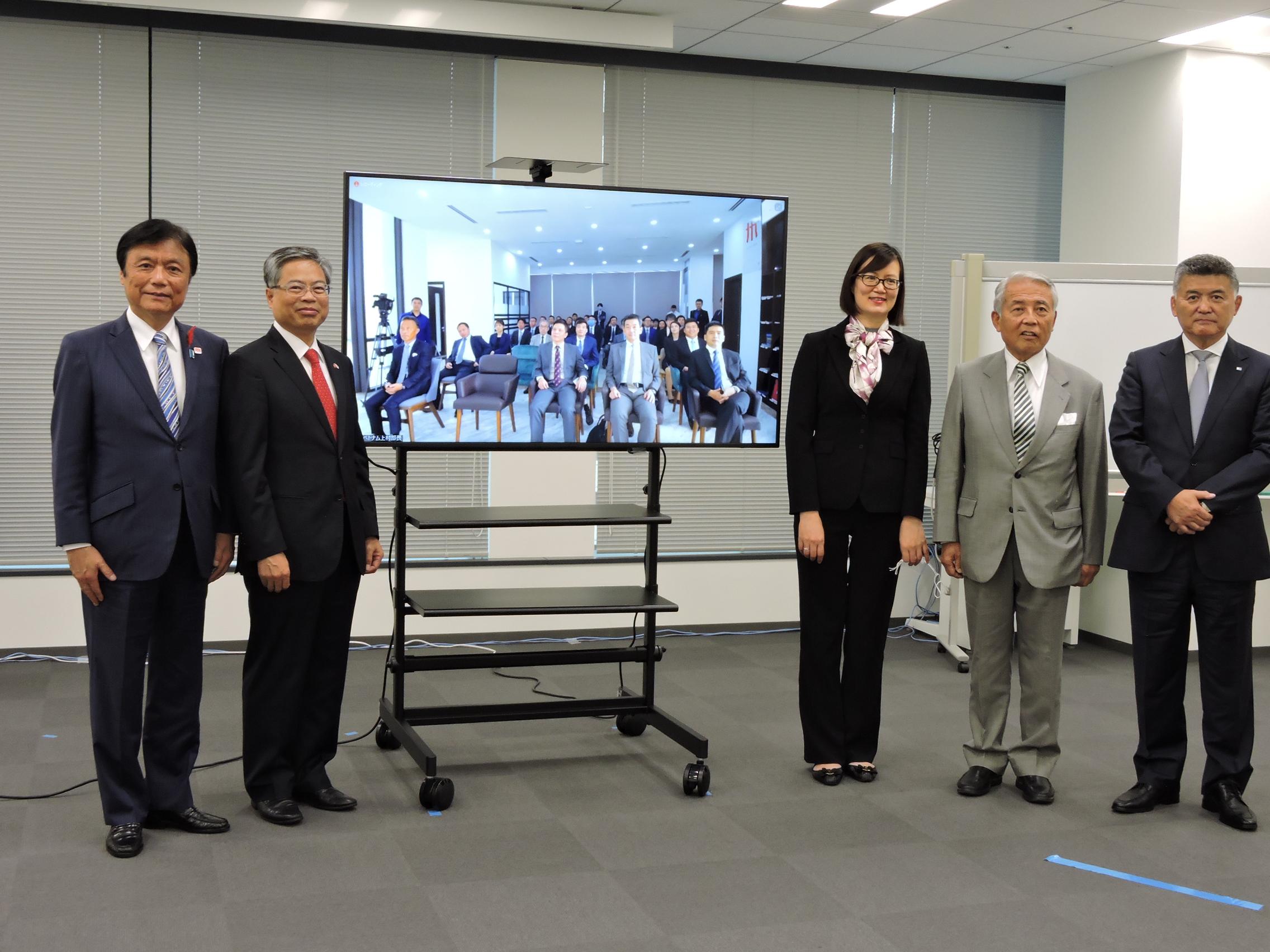 Đại sứ quán phối hợp KYUKEIREN tổ chức Hội thảo xúc tiến đầu tư Kyushu-Việt Nam nhân dịp khai trương Trung tâm xúc tiến, quảng báo Kyushu tại Hà Nội