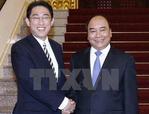Prime Minister greets Japanese Foreign Minister