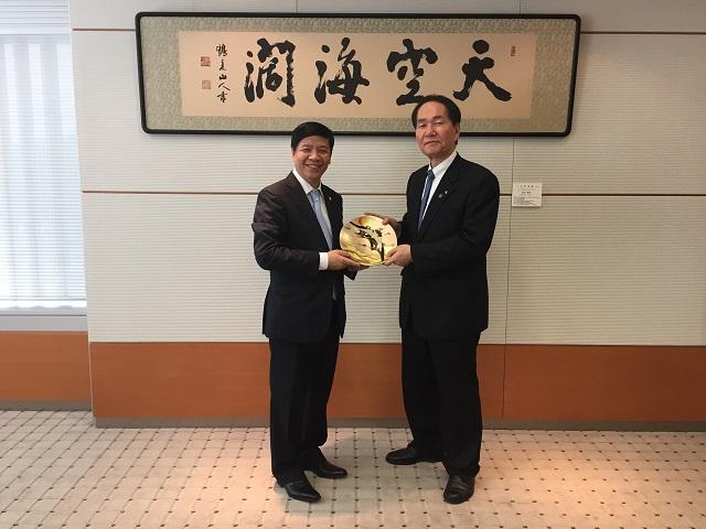 Tỉnh Kagawa và tỉnh Tokushima mong tăng cường hợp tác với các địa phương của Việt Nam