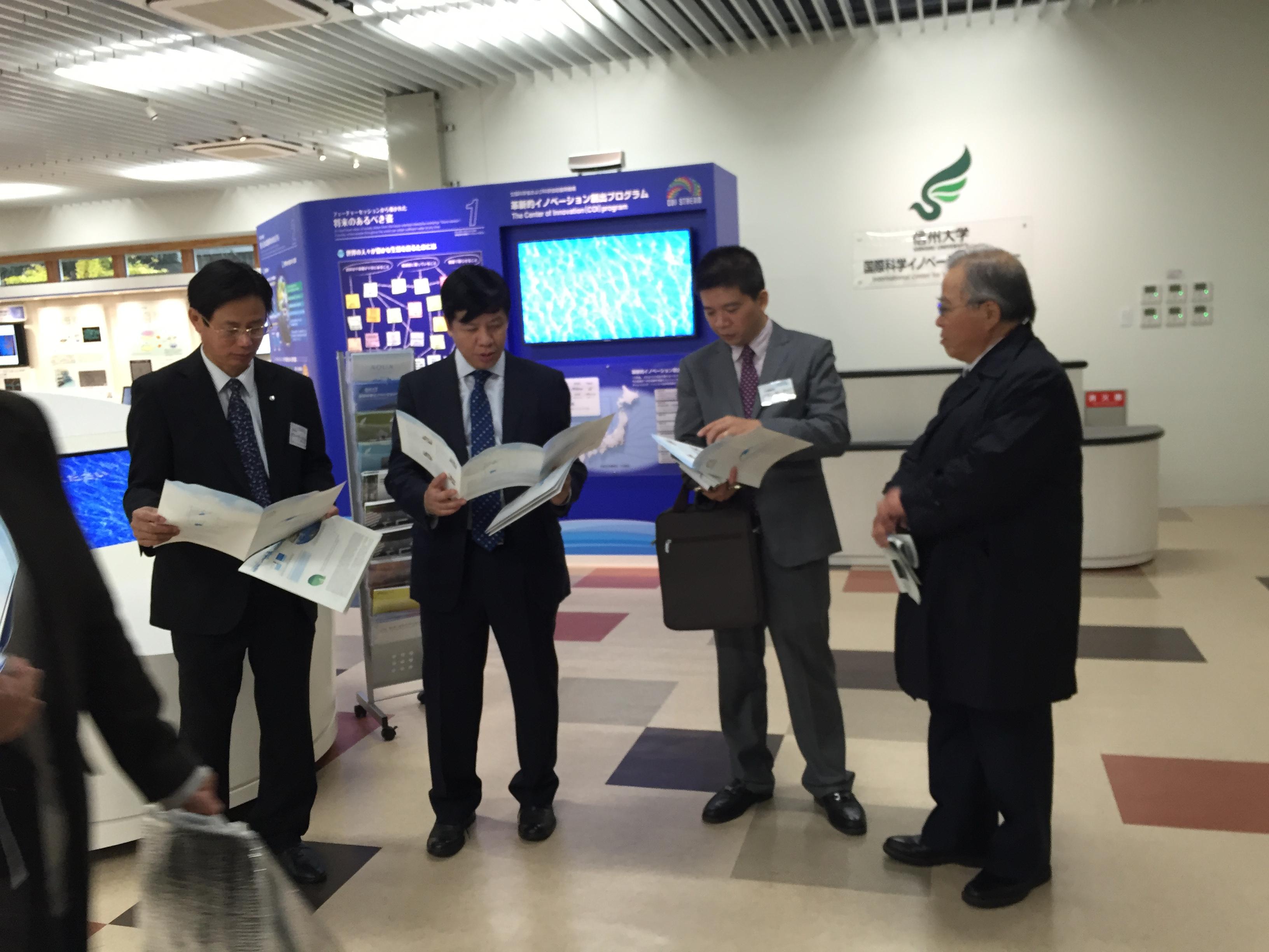 Đại sứ Nguyễn Quốc Cường thăm tỉnh Nagano