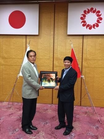 Đại sứ Nguyễn Quốc Cường thăm tỉnh Saitama