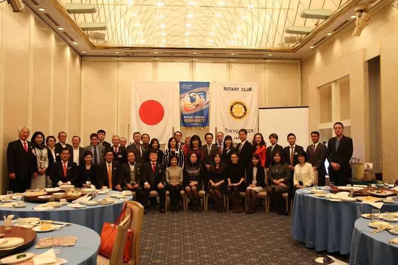 Phu nhân Đại sứ Hoàng Thị Minh Hà nói chuyện về Việt Nam với CLB Rotary - Tokyo Gyoen