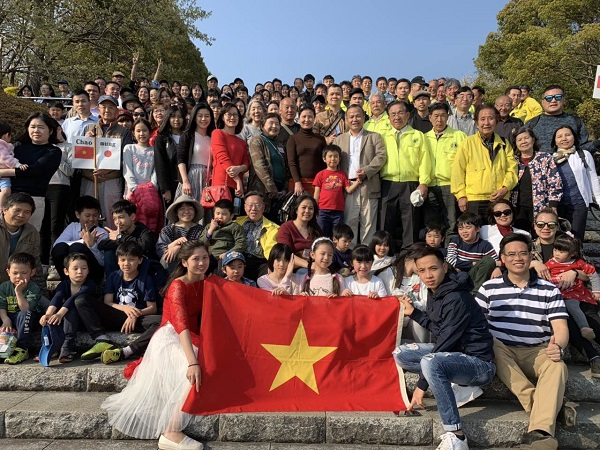 Đại sứ quán Việt Nam tại Nhật Bản giao lưu với Fuji Yoshiwara Lions Club tại Công viên Hiromi, tỉnh Shizuoka ngày 6/4/2019