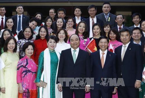Thủ tướng thăm Đại sứ quán và cộng đồng người Việt Nam tại Nhật Bản