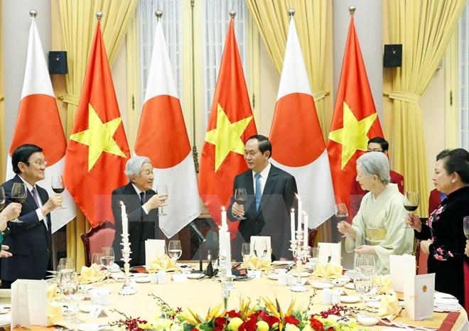 ベトナム公式訪問の天皇陛下 晩さん会でお言葉