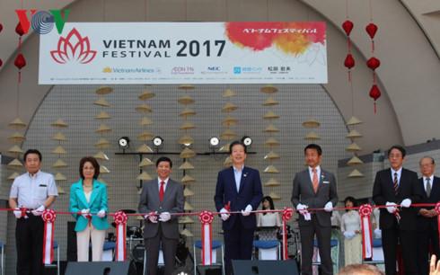 Lễ hội Việt Nam tại Nhật Bản 2017 thu hút lượng lớn khách tham quan