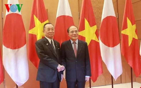 Chủ tịch Quốc hội Nguyễn Sinh Hùng hội đàm với Chủ tịch Thượng viện Nhật Bản